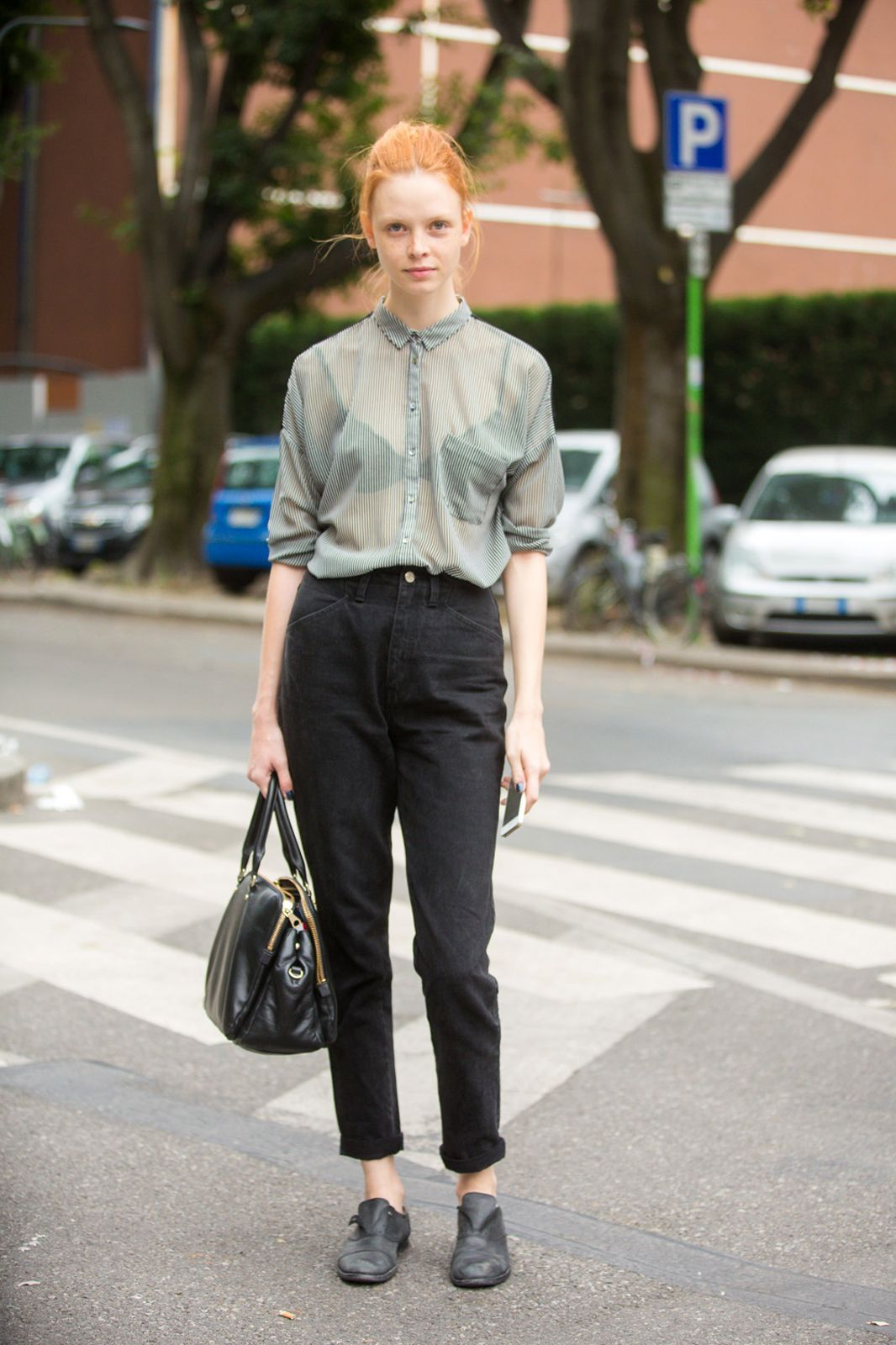 ed9a0010 Blue long-sleeved button-up blouse (tucked in and rolled up), black  high-rise cropped straight jeans, black oxfords