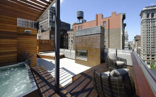 Roof deck. Level 1