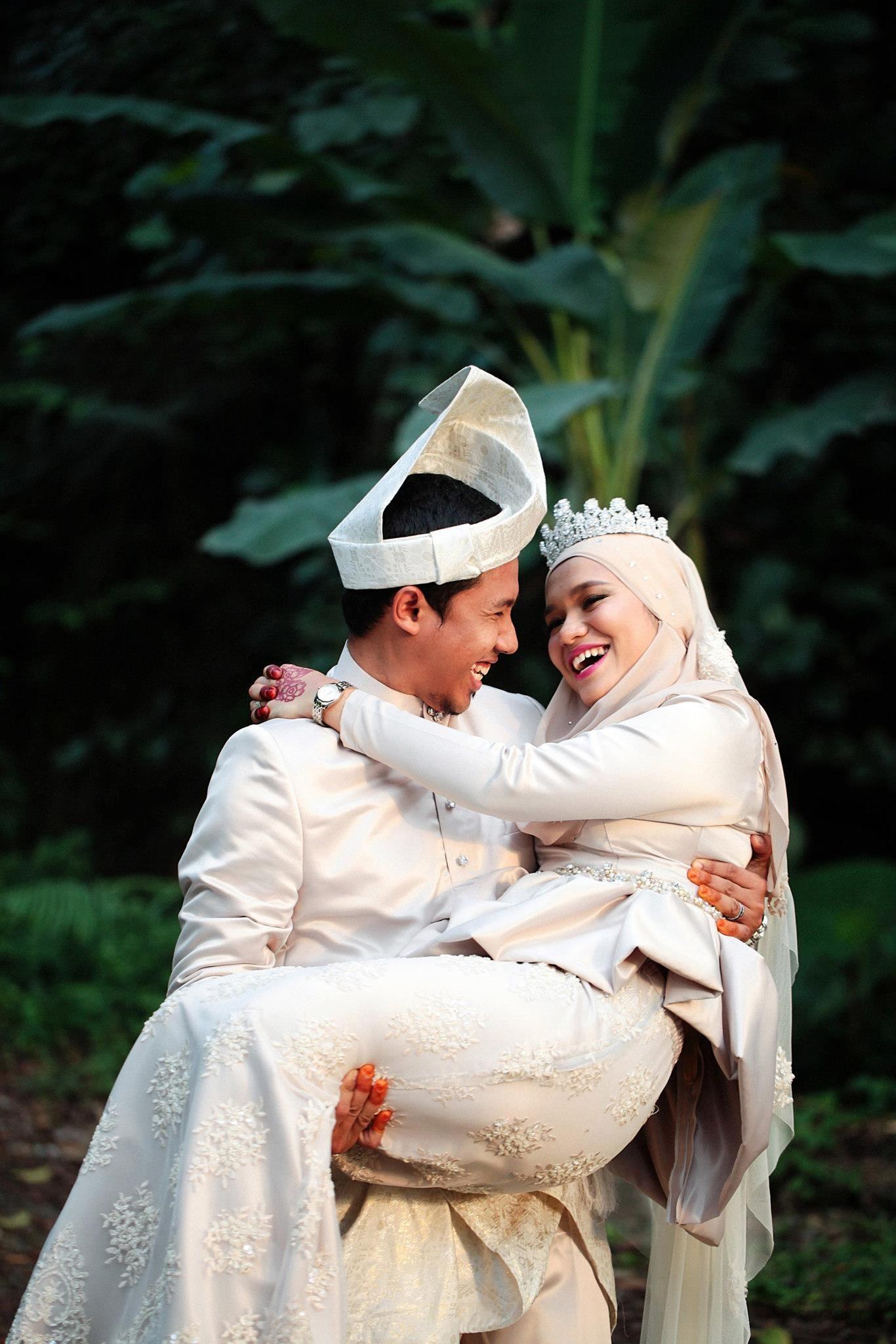malay wedding outdoor shoot Muslim Wedding Hijab