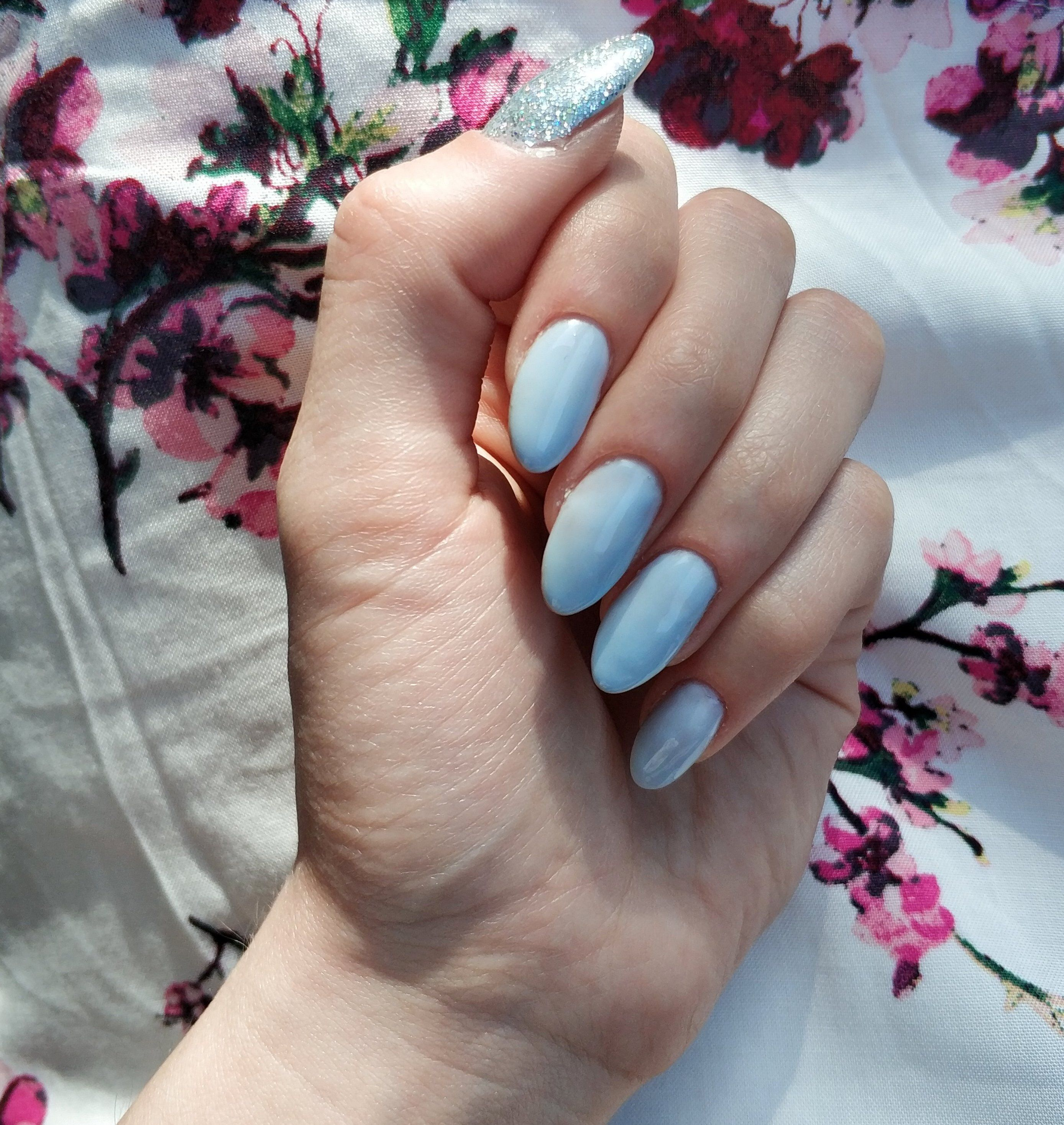 Light Blue Nails With Silver Glitter Accent Nail Pinterest Catherinesullivan2017 Nails Light Blue Nails Glitter Accent Nails