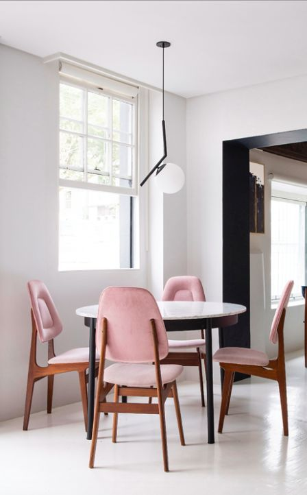 round table with four blush pink chairs modern midcentury design rh pinterest com