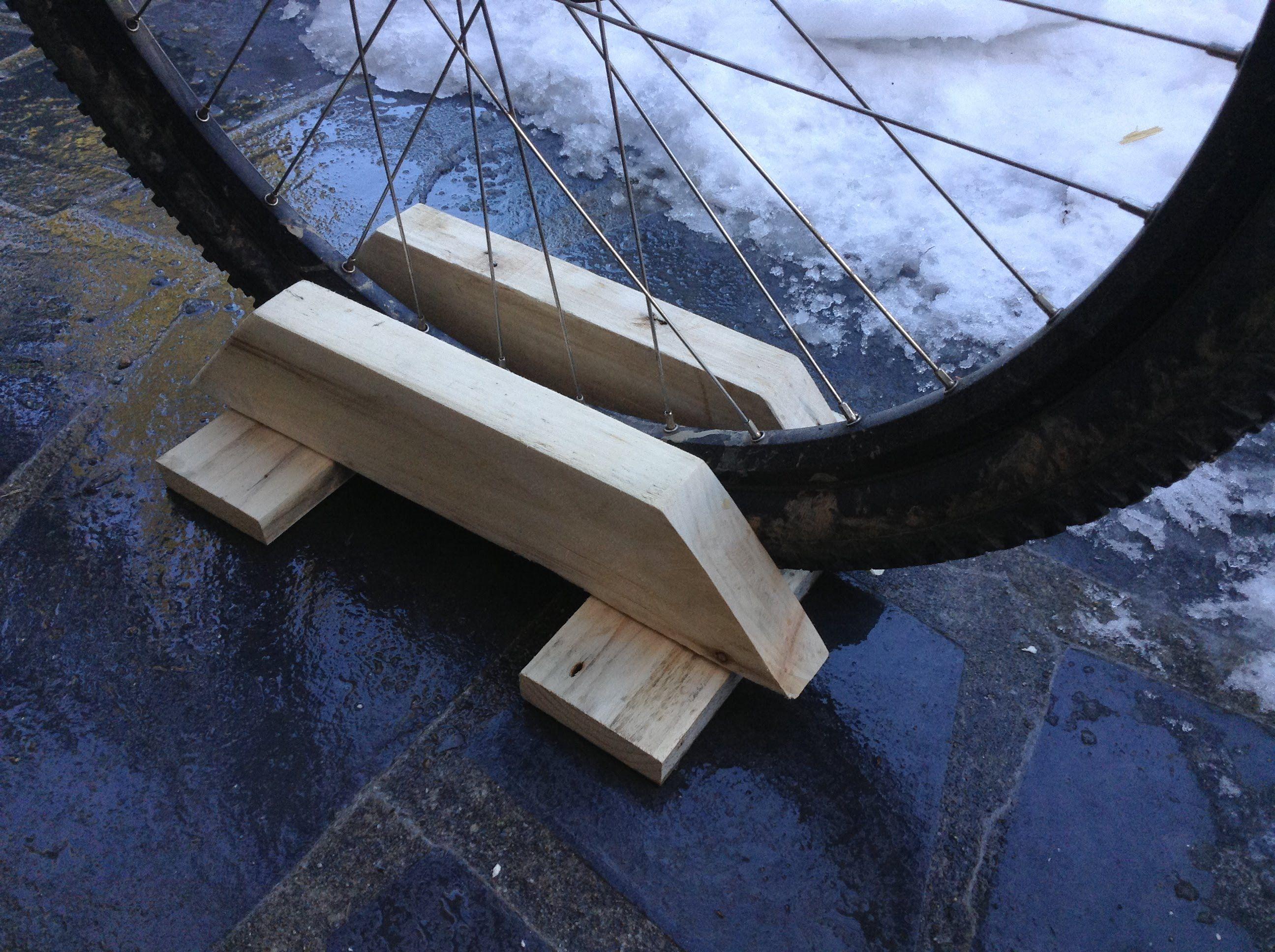 Fabriquer Un Abri Pour Velo comment fabriquer un support pour vélo | support velo, abri