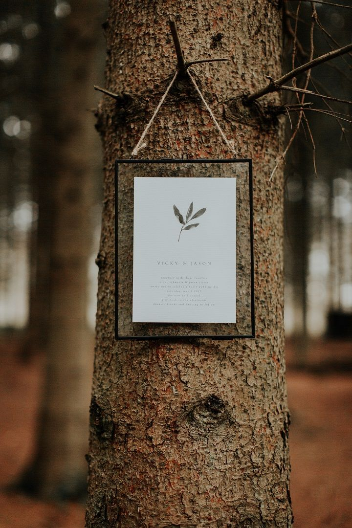 Woodland wedding invitation idea | fabmood.com #weddinginvite #woodlandwedding