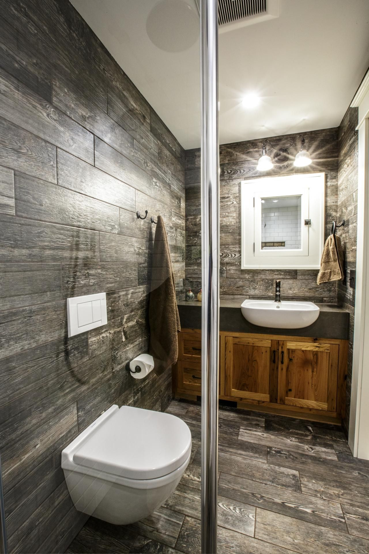 Progetti Di Bagni Piccoli inspiration photo of best rustic farmhouse bathroom flooring