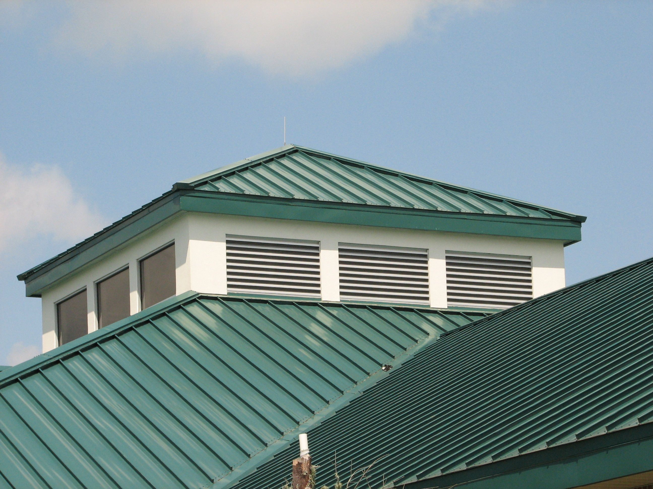20 Roof Types For Your Awesome Homes Complete With The Pros Cons Corrugated Metal Roof Metal Roofing Materials Metal Roof