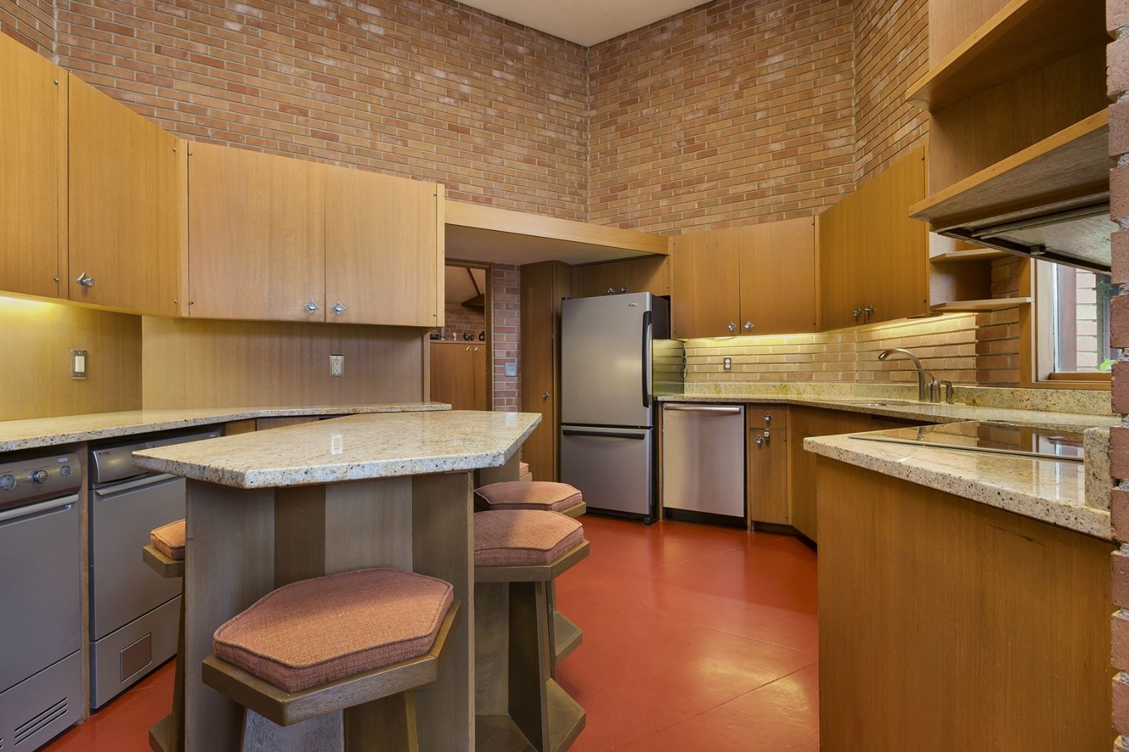 This Untouched Frank Lloyd Wright Home from 1960 Got a Price