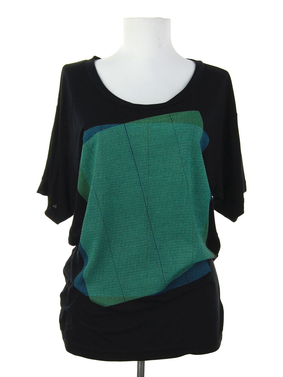 Oversized  and casual slouchy tee from Super Maggie.