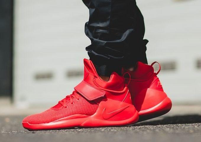 Nike Kwazi rojo