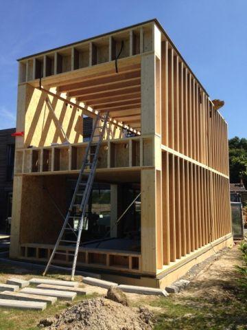 Une maison passive double sa surface en préservant ses atouts