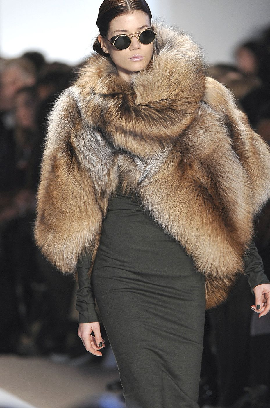 Dennis Basso at New York Fall 2010 (Details)