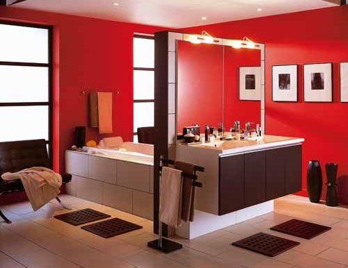 Salle de bain rouge - Salle de bain rouge Leroy Merlin. Crédit ...