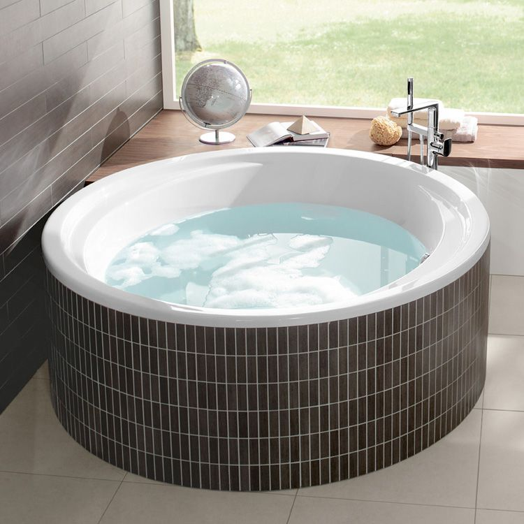 Villeroy & Boch Aqualoop: Die runde Badewanne ist ein Hingucker in ...