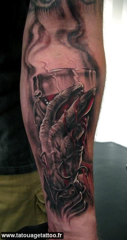 tumbler sang | Tatouage, Tatouage artistique, Chouette tatouage