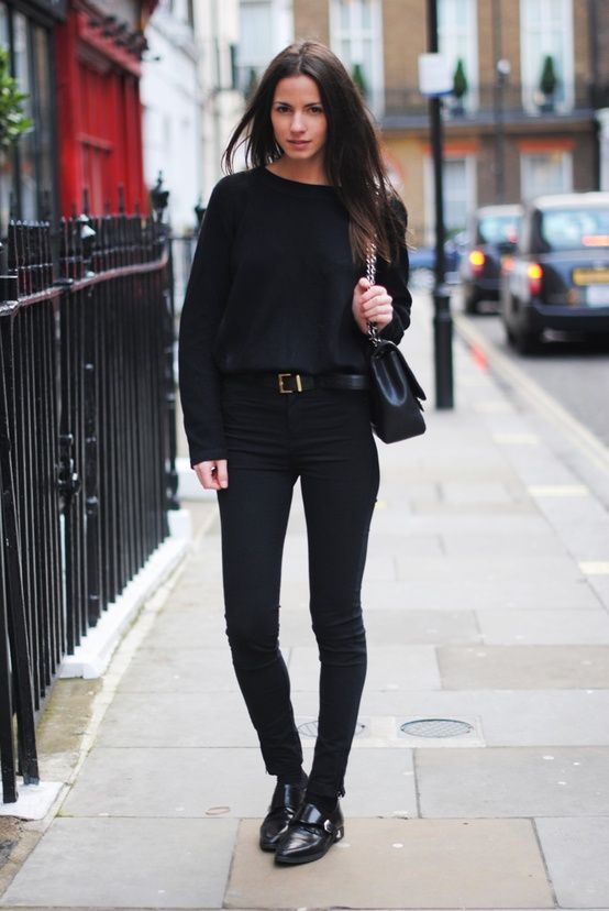love the high waisted blacl pants