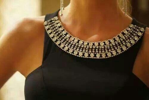 Encolure bijoux....