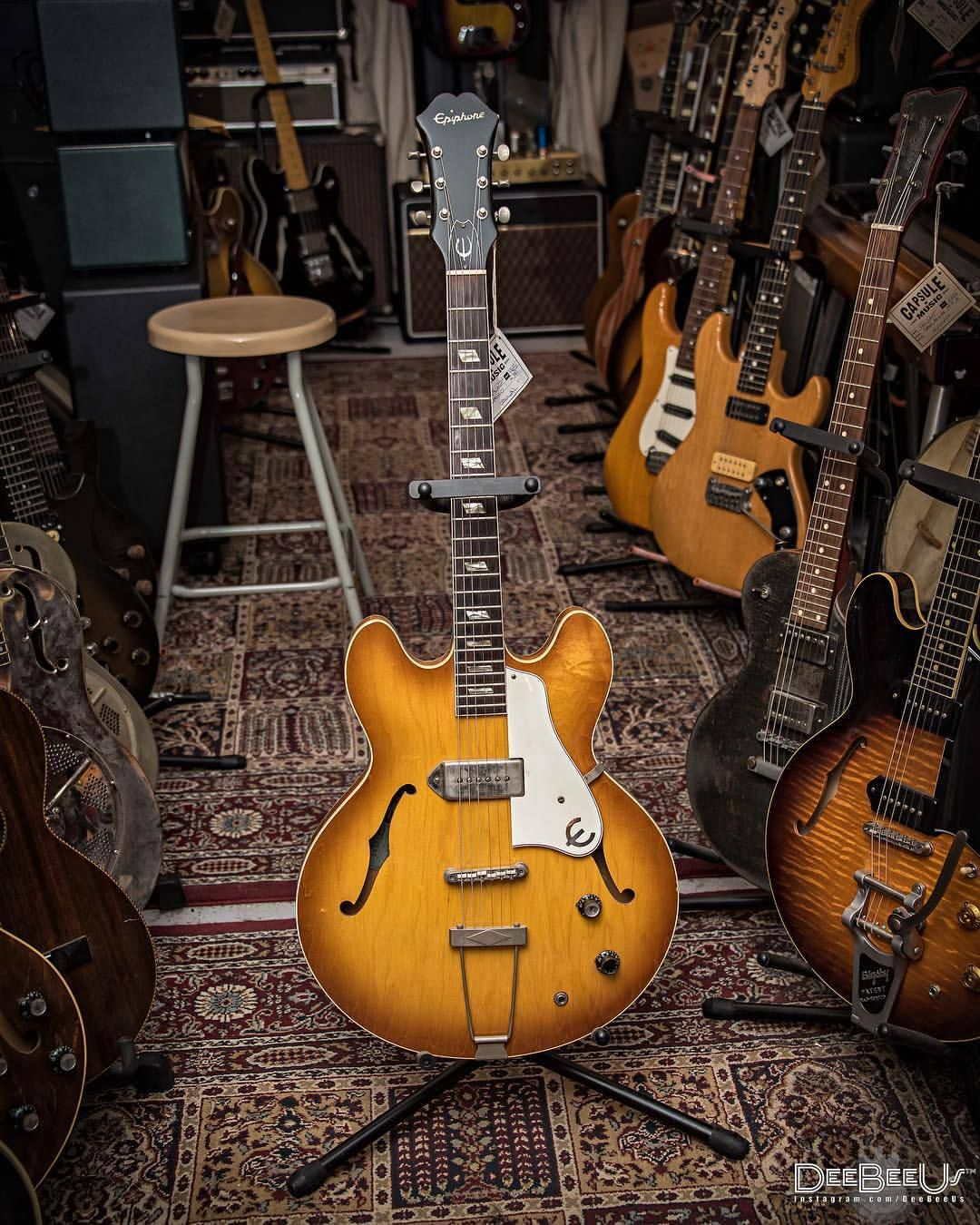Just Think Of It As A Much Cooler Es330 1965 Epiphone E230 T Casino In Royaltan Spotted At Capsulemusic Toronto I Ve Posted Th Epiphone Es 330 Guitar