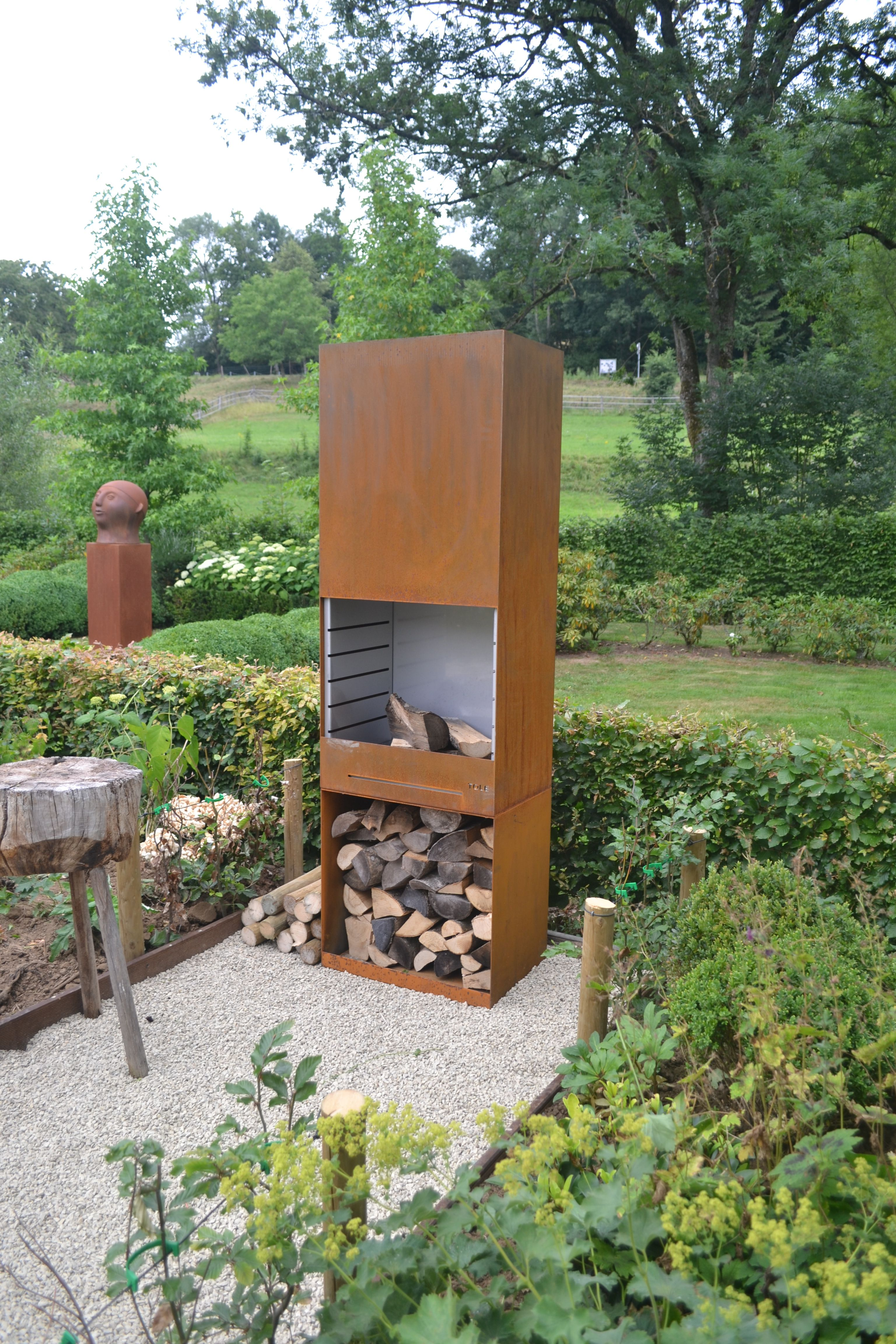 corten steel barbecue distributed by in tempo   timeless gardens en