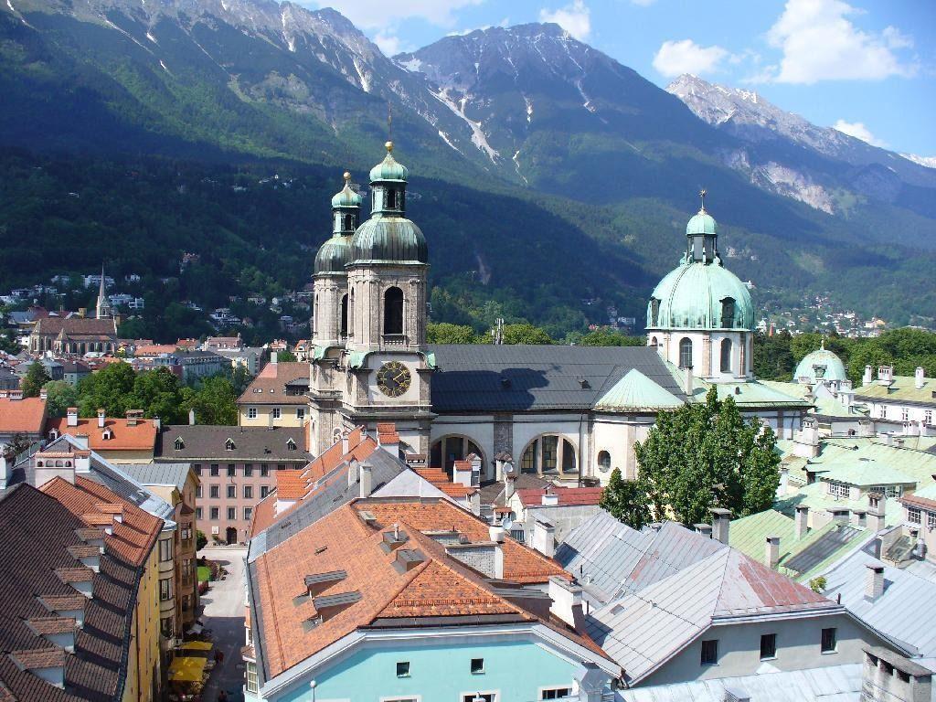 4295224-Innsbruck_capital_city_of_TyrolWestern_Austria_Innsbruck.jpg (1024×768)
