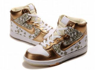 finest selection 8f894 ac919 Nike High Tops For Women Butterflies Skinny Supreme Nike Dunk High Gold  Shoes For Women