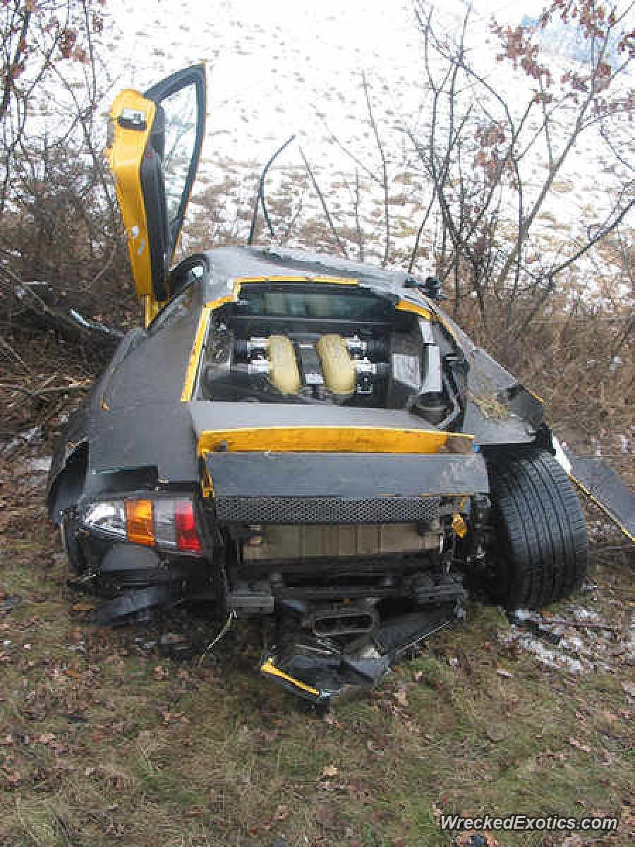 Details On This Crash Are Sketchy But Rumor Has It That This Is A Prototype 2007 Murcielago Which Crashed During Testin Car Crash Super Fast Cars Cars Near Me