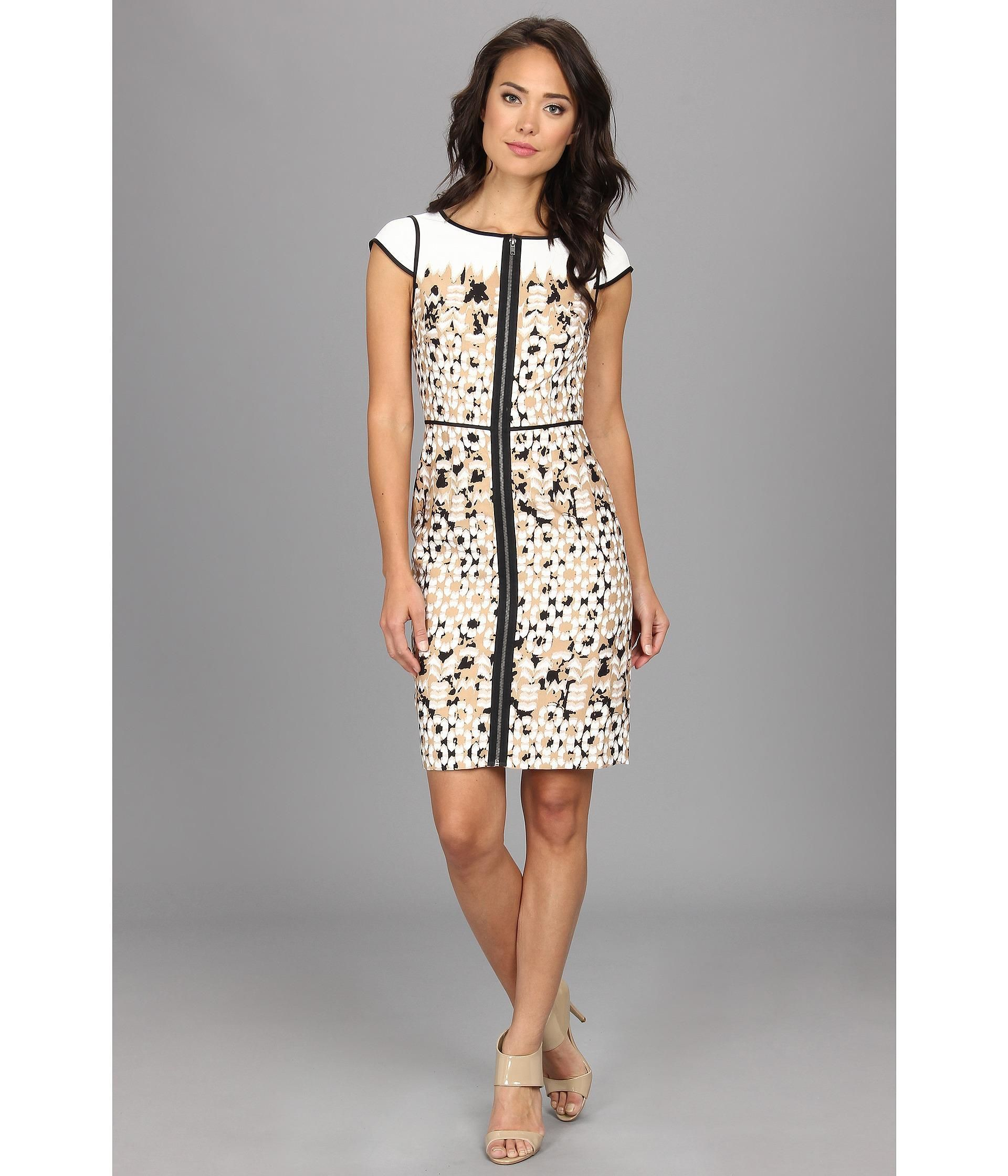 You'll look as lovely as ever with the Divided Print Sheath dress from Adrianna Papell™.. Sheath d...