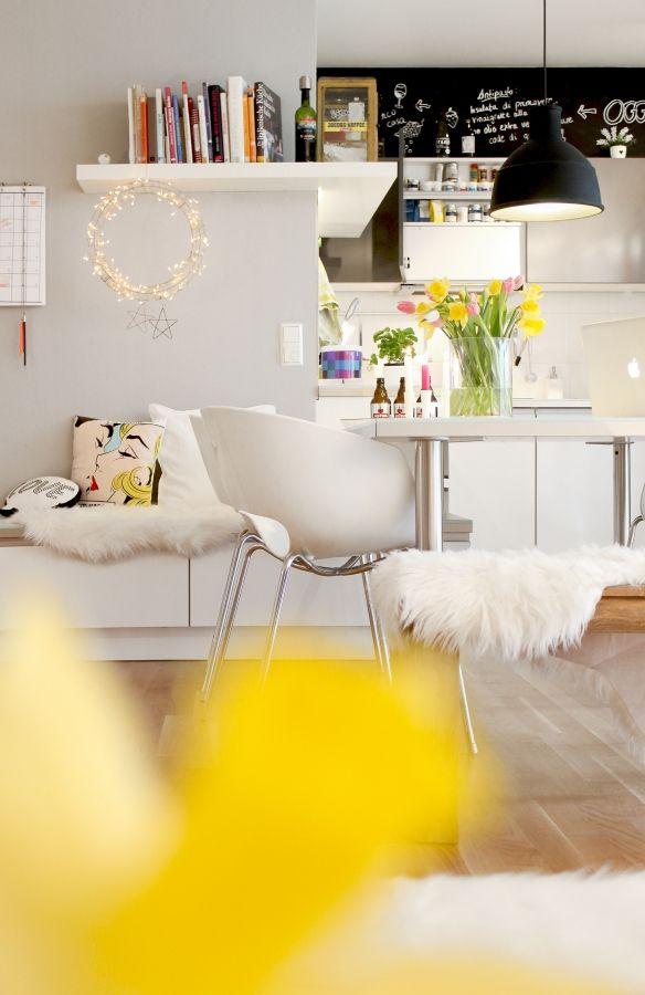 Wohnung in stuttgarter innenstadt couch das erste wohn for Erste wohnung design