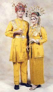 13 Upacara Tradisional Riau dan Gambar serta Penjelasannya