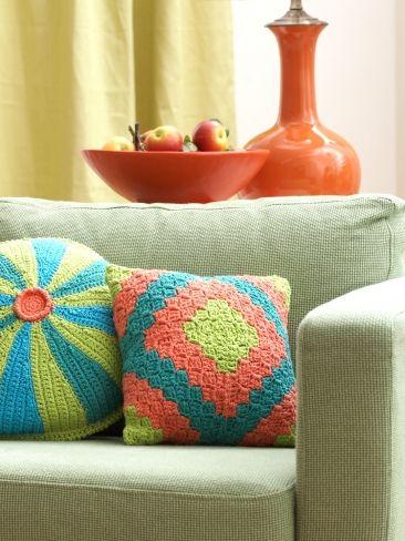 Diamond Motif Pillow | Yarn | Free Knitting Patterns | Crochet ...