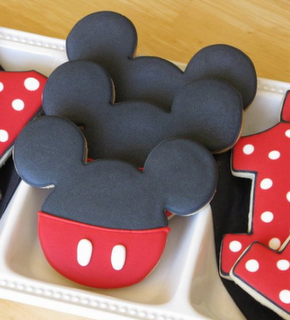 these would be the cutest for Blake's first birthday party!