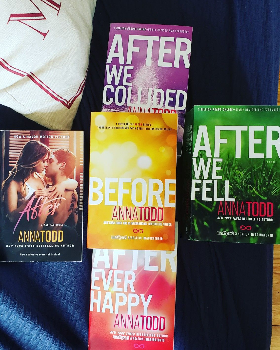 Happy Worldbookday The After Series By Anna Todd Is One Of My Favorite Series Right Now Soon I Ll Be Starting The Crossf Book Boyfriends Books Got Books