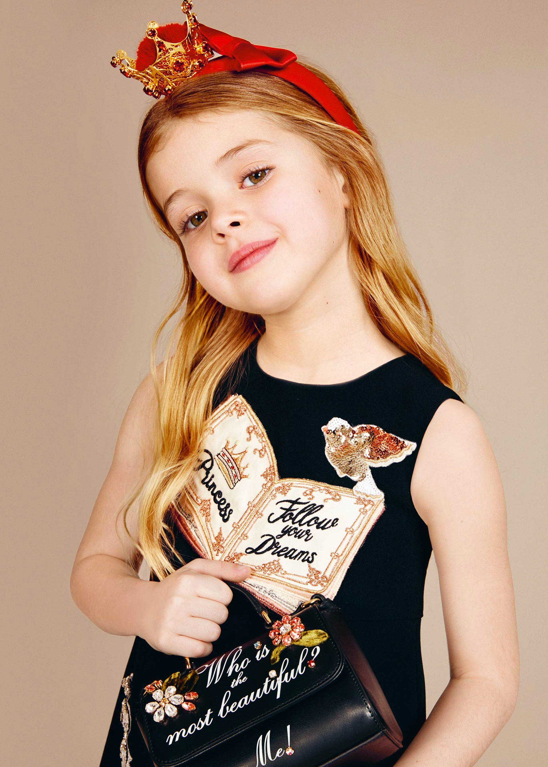 Dolce   Gabbana Collezione Bambino Autunno Inverno 2016 2017  Bambina  56913a37691
