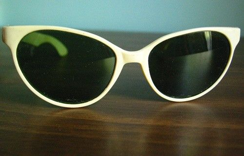 Vintage 1950's Rockabilly Cool Cat Cat Eye Sun Glasses Green Shades