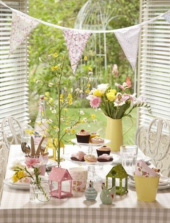 Easter table setting scene : easter table setting - Pezcame.Com