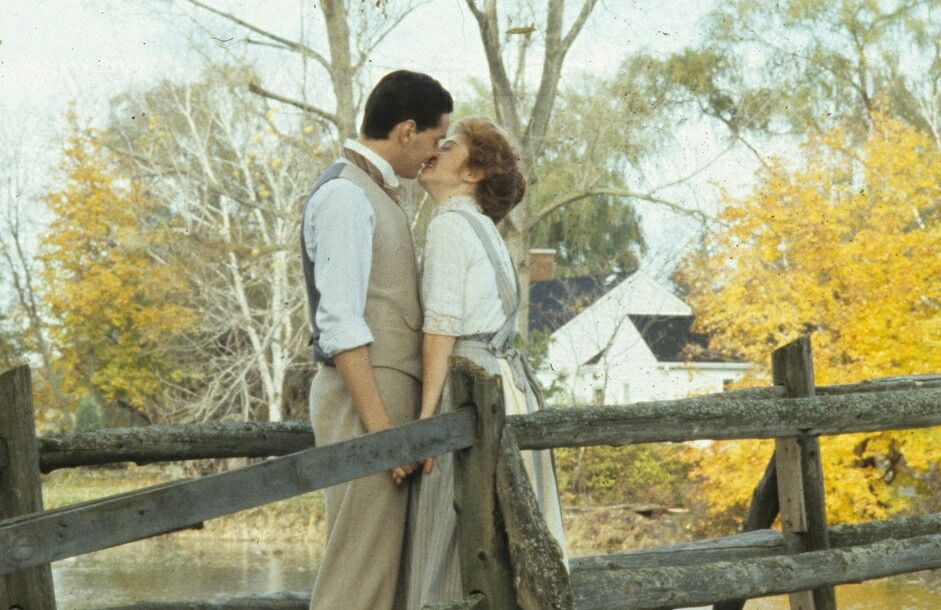 Bridge Scene Anne Shirley And Gilbert Blythe With Images Anne