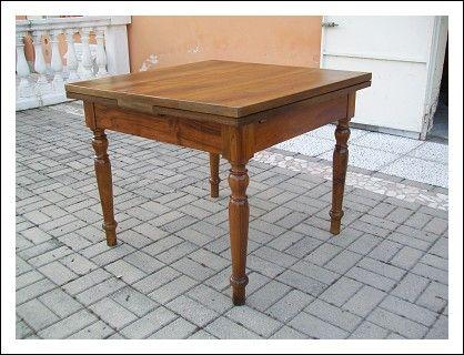Tavolo quadrato allungabile in noce 97x97x173 aperto