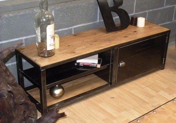 Meuble TV industriel design sur mesure  MICHELI Design  Idées pour la maiso -> Mesure Table Tv