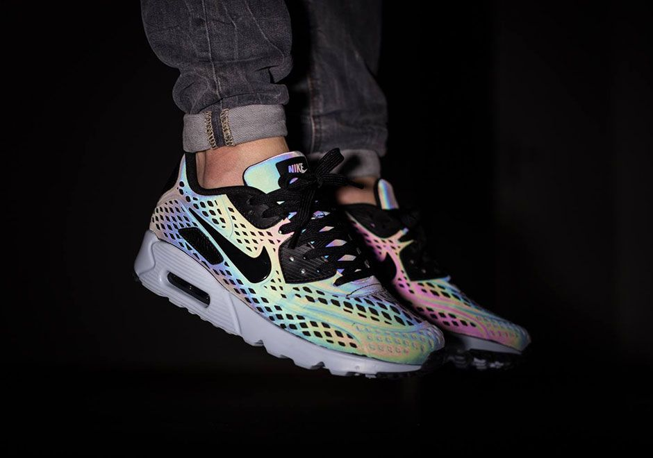A Closer Look At The Color Changing Nike Air Max Releases