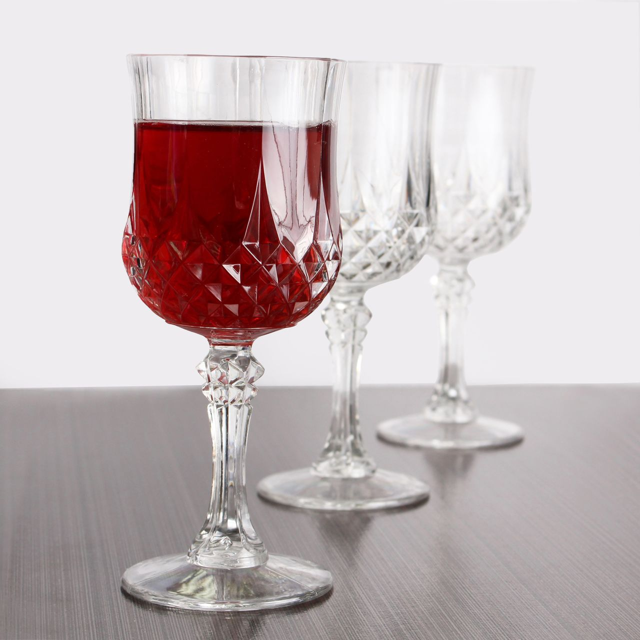 3f6f033a91c Posh Party Supplies - Elegant Crystal-Like Plastic 8 oz Wine Glasses