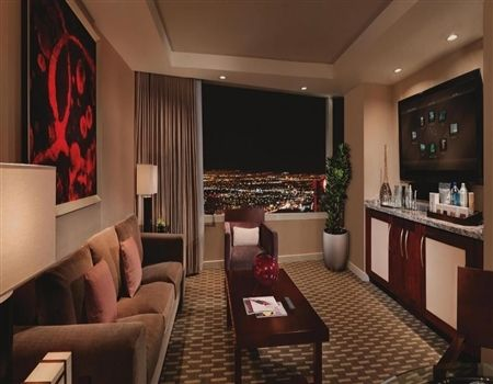 Aria Tower Suite 1 000 Square Feet 1 Bedroom 1 5 Bathrooms Living Room Seating Area King Bed Featuring Custom Aria Matt Las Vegas Suites Hotel Vegas Hotel