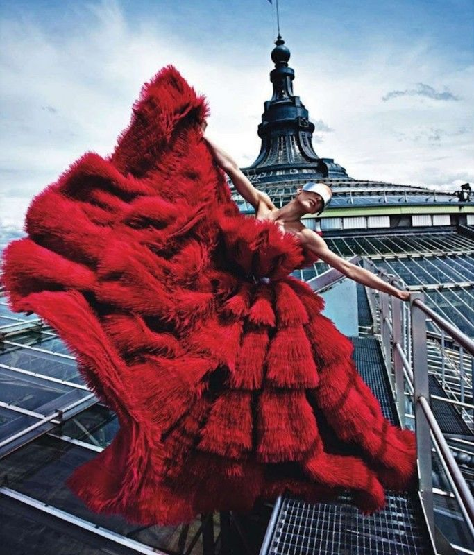 Happy #ValentinesDay! Image: #VogueParis