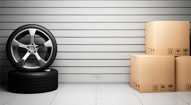 Günstig Reifen verschicken - Packlink bietet Privatpersonen und Geschäftskunden zusammen mit seinen Kooperationspartnern einen bequemen Service für den Versand von Reifen. Dabei spielt es keine Rolle, ob die Reifen auf einer Felge vormontiert sind oder Sie lediglich die Reifen einzeln ohne Felge verschicken möchten. Wenn Sie Autoreifen versenden möchten, gehen Sie einfach auf unsere Webseite.