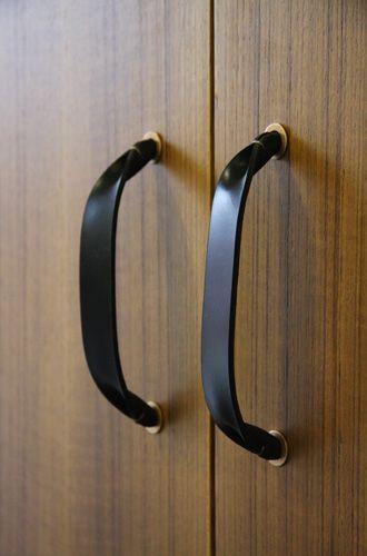 Leather door pulls by Henrybuilt