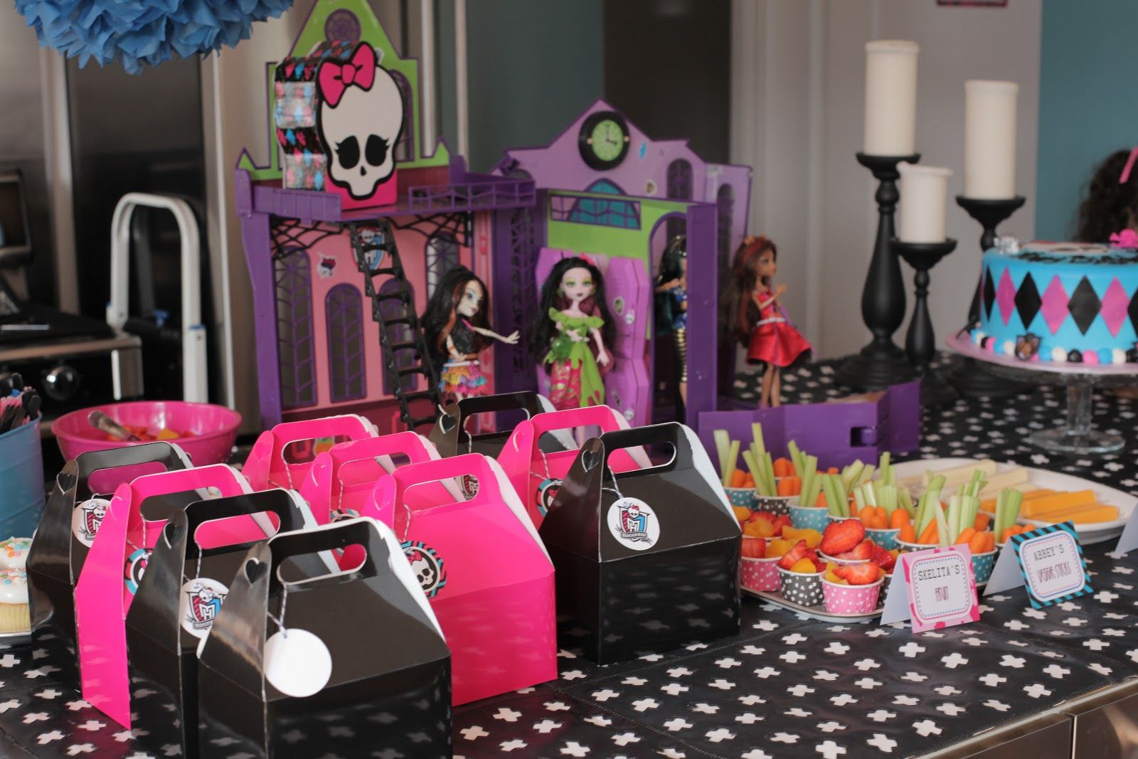 MONSTER HIGH BIRTHDAY Neighborhood Kids Avas 7th Monster High