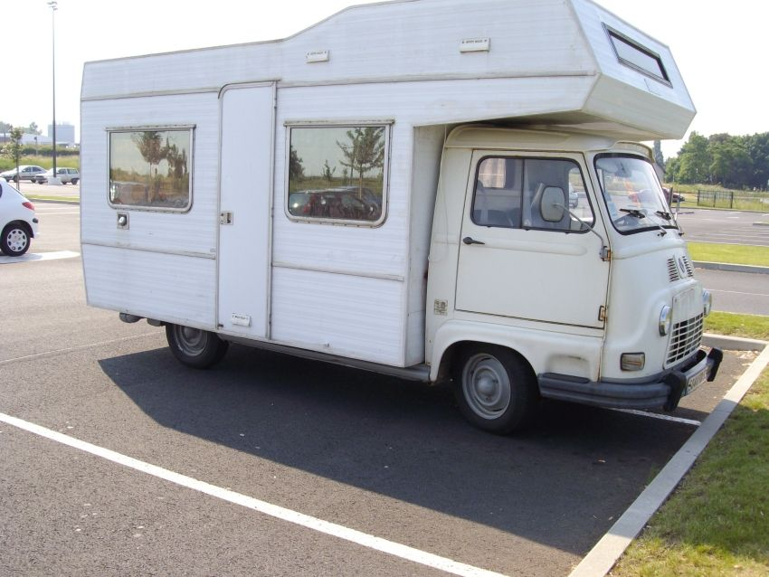 A french renault estafette camping car a model of the for Interieur estafette