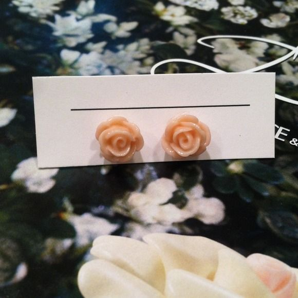 Pink rose bud stud earrings Gifted to me and I don't have pierced ears: super cute pale pink, never been worn! Jewelry Earrings
