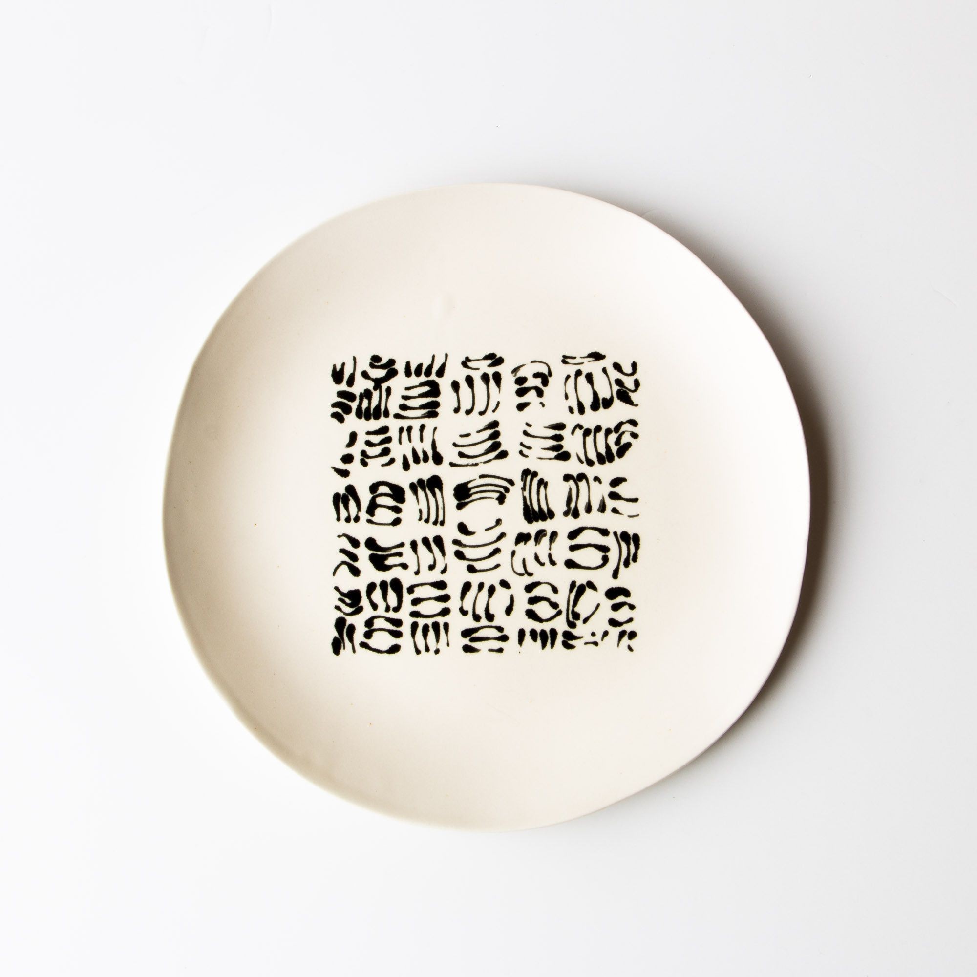 Um? - Large Hand Painted Black u0026 White Ceramic Plates - Rachel Grenon  sc 1 st  Pinterest & Um? - Large Hand Painted Black u0026 White Ceramic Plates - Rachel ...