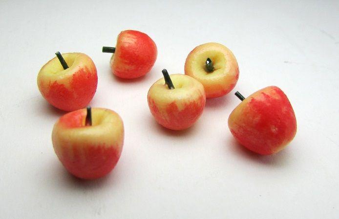 half dozen Macintosh apples