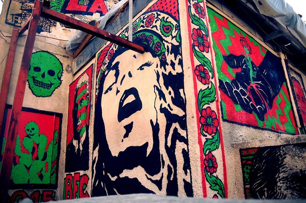 Broken Fingaz creates a new mural in Haifa, Israel
