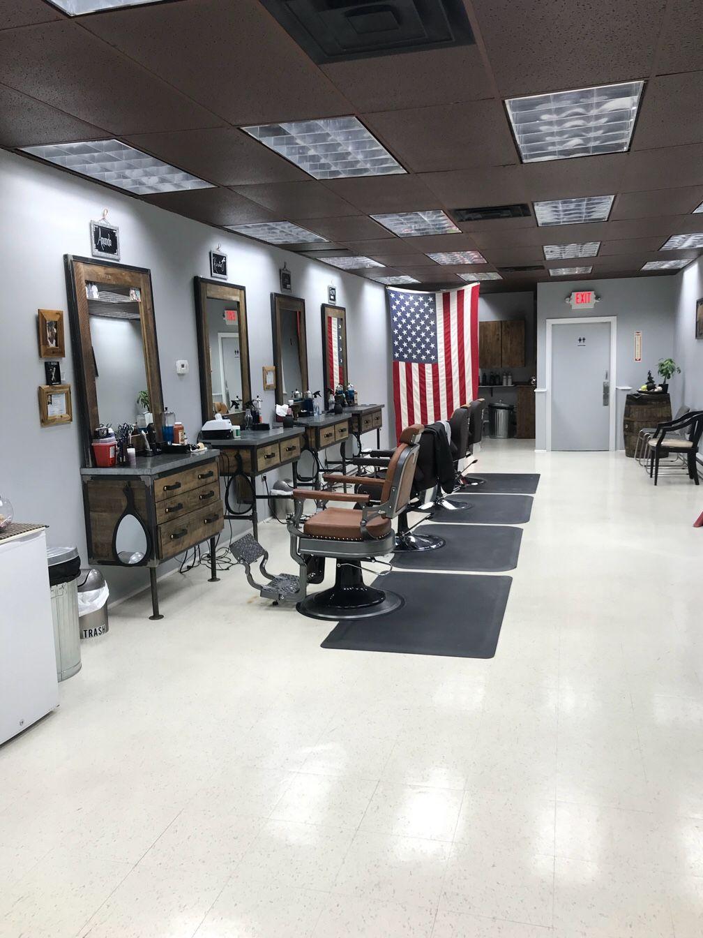 Mand S Barber Parlour Shave Shop In Hackettstown Nj Vagaro Shave Shop Studio Decor Parlour