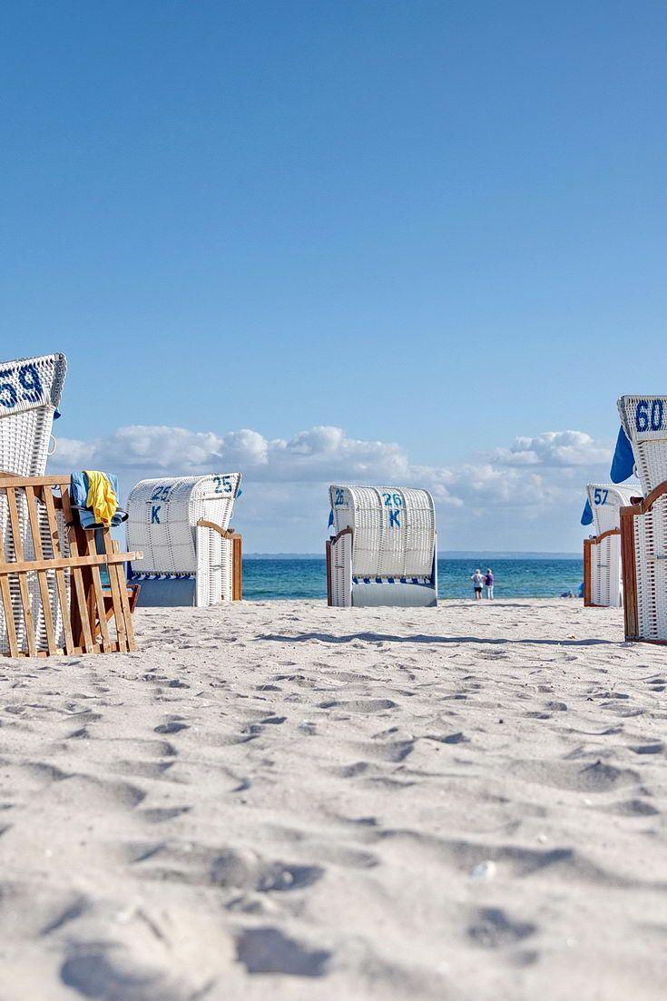 Sommer, Strandkörbe am Strand des Ostseeheilbad Grömitz in